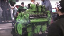 Big Detroit Diesel 12v71 Engine