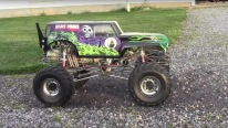 1/4 Scale Grave Digger With Stinger 609 Engine